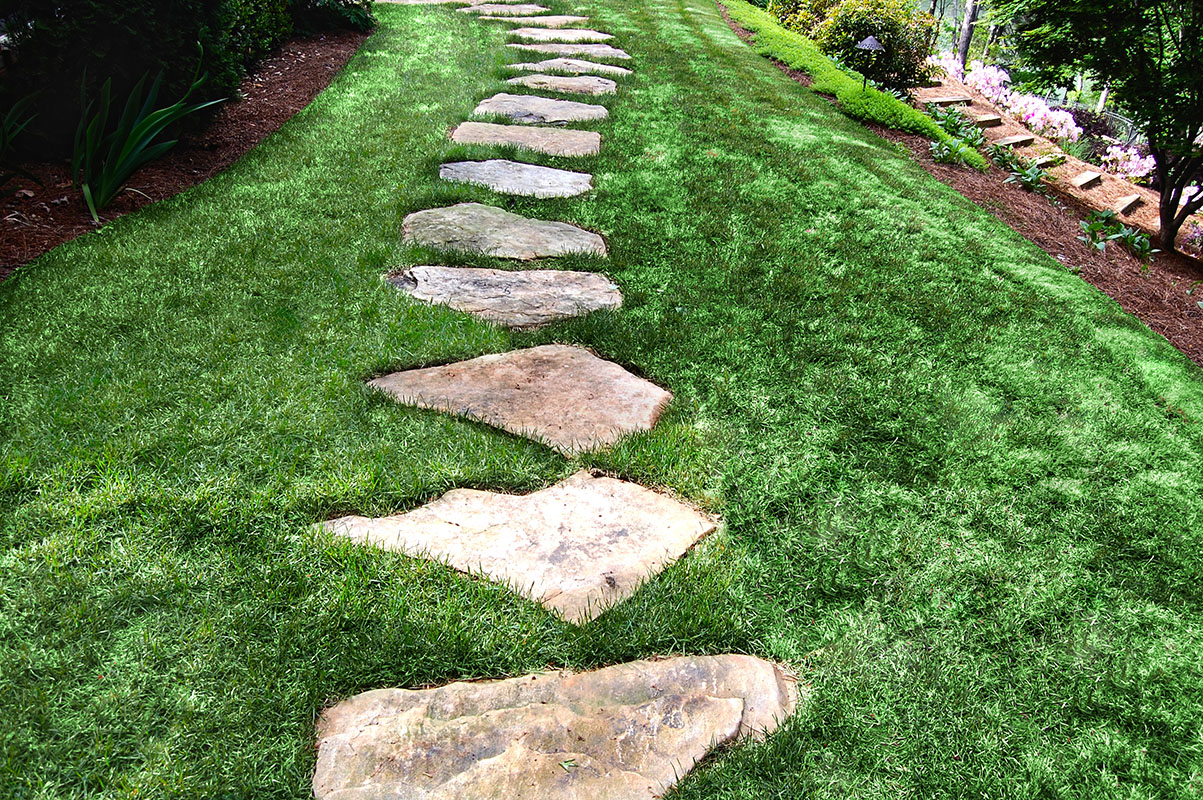 Stone walkway ideas stone wall hardscape inspiration for Rock stepping stones landscaping